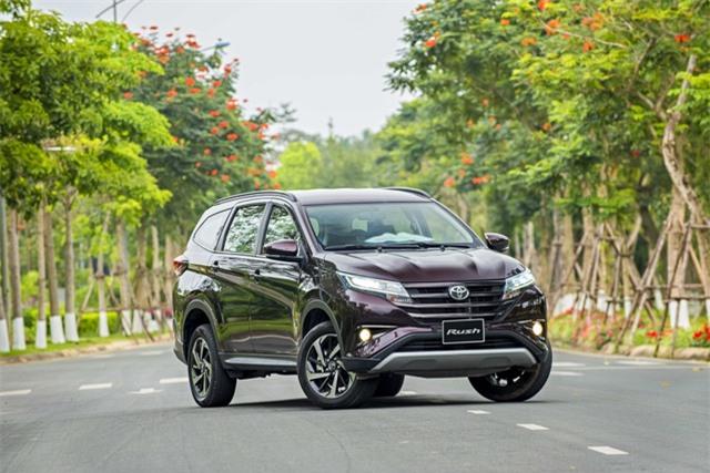 """Vì sao, người tiêu dùng Việt Nam """"phải lòng"""" Toyota Rush? - 1"""