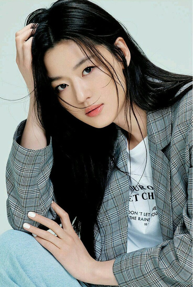 Bi Rain và Jeon Ji Hyun giảm giá tiền cho thuê mặt bằng, tham gia phong trào Người chủ nhà thiện lương.