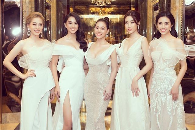 Chuyện ít biết về người phụ nữ quyền lực đứng sau các Hoa hậu - 1