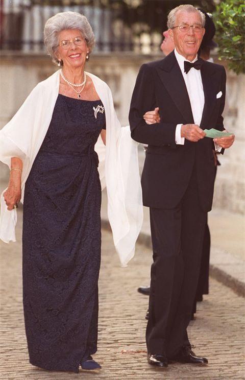 Không chỉ vợ chồng Meghan Markle, đã từng có những cuộc đánh đổi tước vị trở thành thường dân gây chấn động các Hoàng gia 7