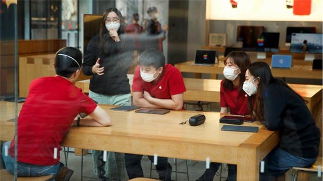 Apple cho nhân viên trên toàn cầu làm việc ở nhà - Ảnh 2.