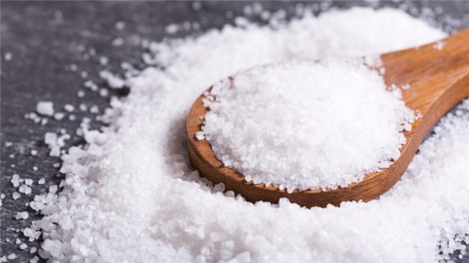 Chỉ một nắm muối ăn sạch bóng nhà cửa, bạn hãy thử ngay!