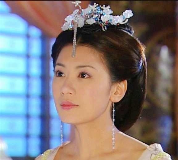 Những nữ diễn viên vượt qua quá khứ khó khăn, bị fan tẩy chay, vươn lên top sao hàng đầu Hoa ngữ - Ảnh 5