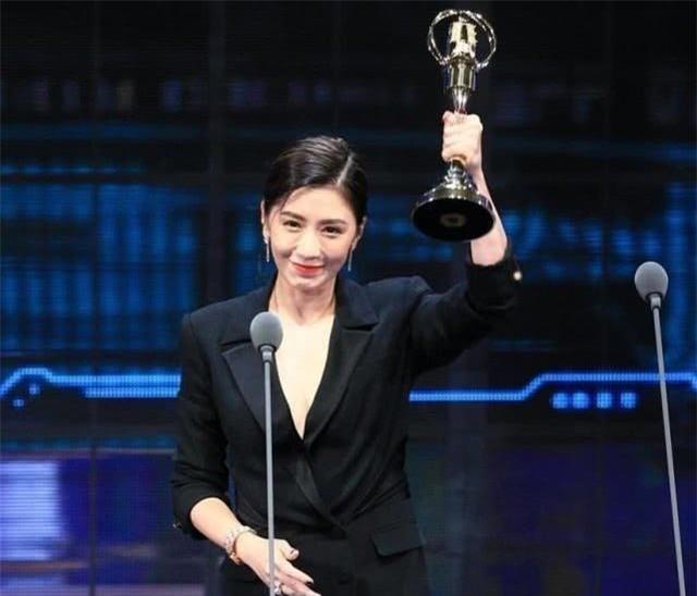 Những nữ diễn viên vượt qua quá khứ khó khăn, bị fan tẩy chay, vươn lên top sao hàng đầu Hoa ngữ - Ảnh 6