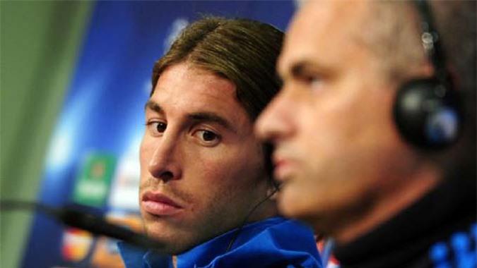 Sergio Ramos cũng là mục tiêu bị Mourinho