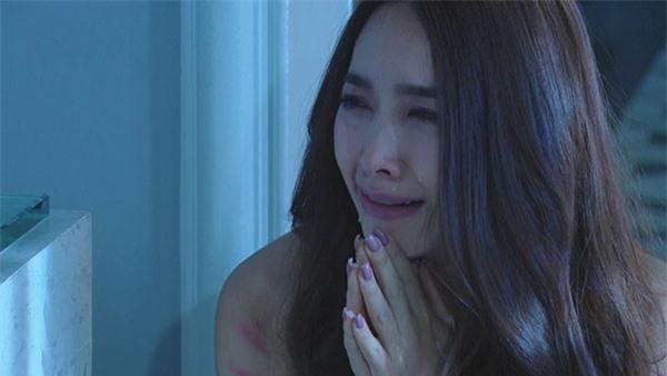 Nửa đêm nghe tiếng đập cửa uỳnh uỳnh, gái trẻ ra ngoài thì chết sững khi thấy người đàn ông ướt sũng đứng trước mặt mình - Ảnh 1