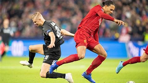 Haaland trong màu áo RB Salzburg chạm trán Van Dijk