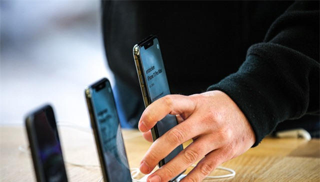 iPhone 5G có thể phải lùi ngày ra mắt vì COVID-19 - Ảnh 1.