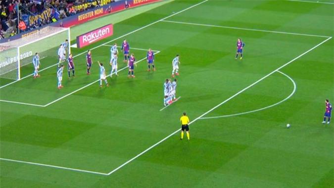 Đây là cách Sociedad hóa giải tuyệt kỹ đá phạt của Messi
