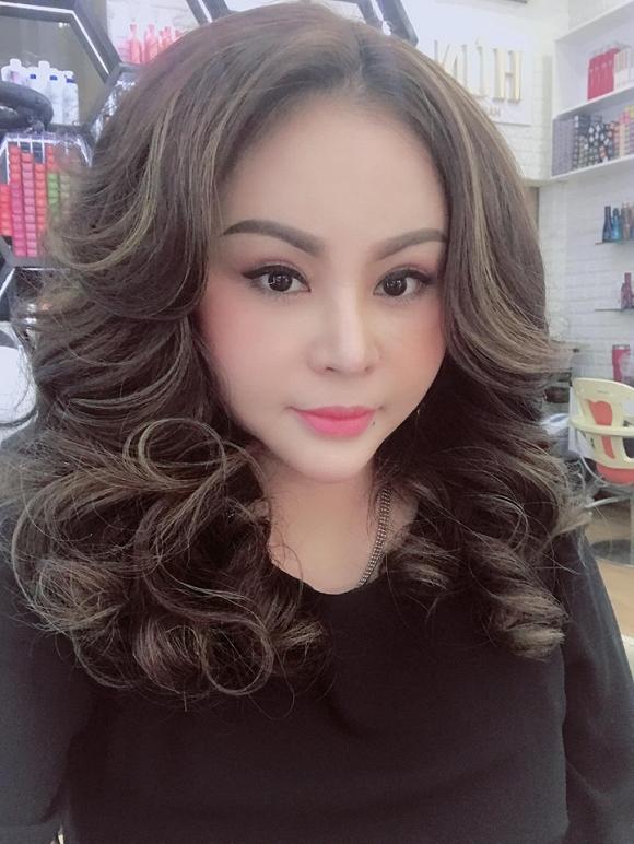 Trên trang cá nhân, Lê Giang thường xuyên đăng tải hình ảnh khi đã make up xinh đẹp - Ảnh: Internet