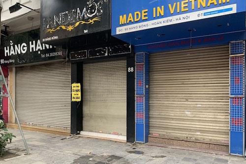 Nhiều cửa hàng tại phố cổ Hà Nội tạm dừng hoạt động (Ảnh: internet)