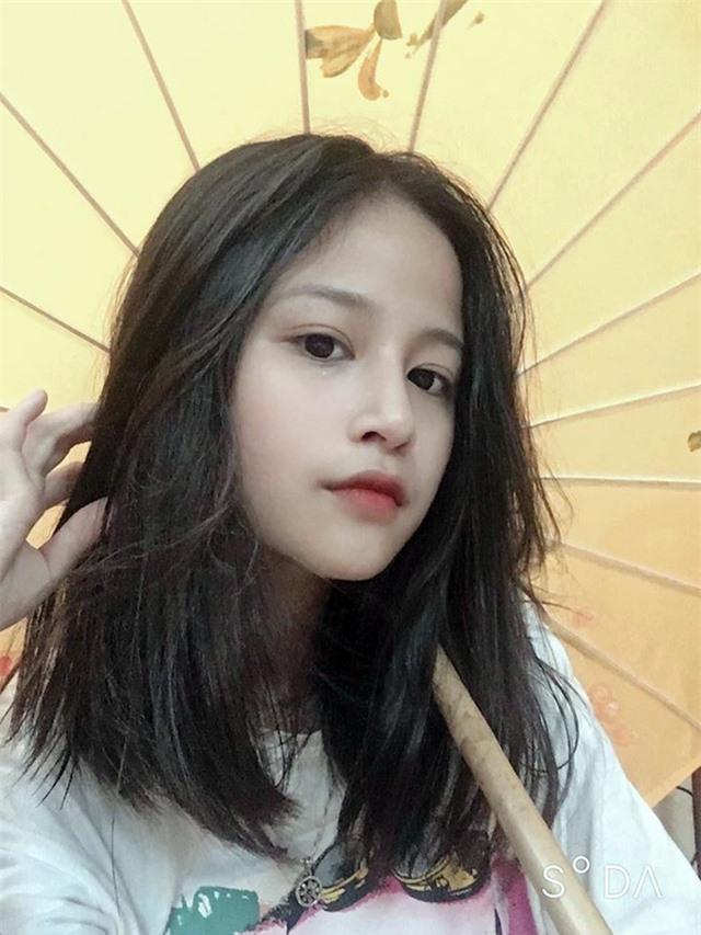 Nữ sinh xinh đẹp gây chú ý bởi nét mặt giống ca sĩ Chi Pu - 11