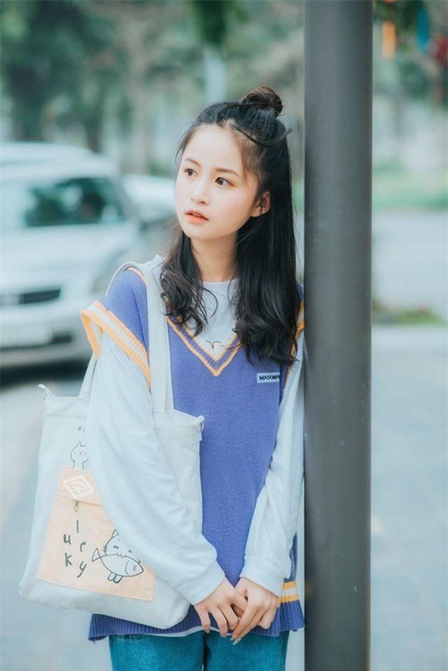 Nữ sinh xinh đẹp gây chú ý bởi nét mặt giống ca sĩ Chi Pu - 2