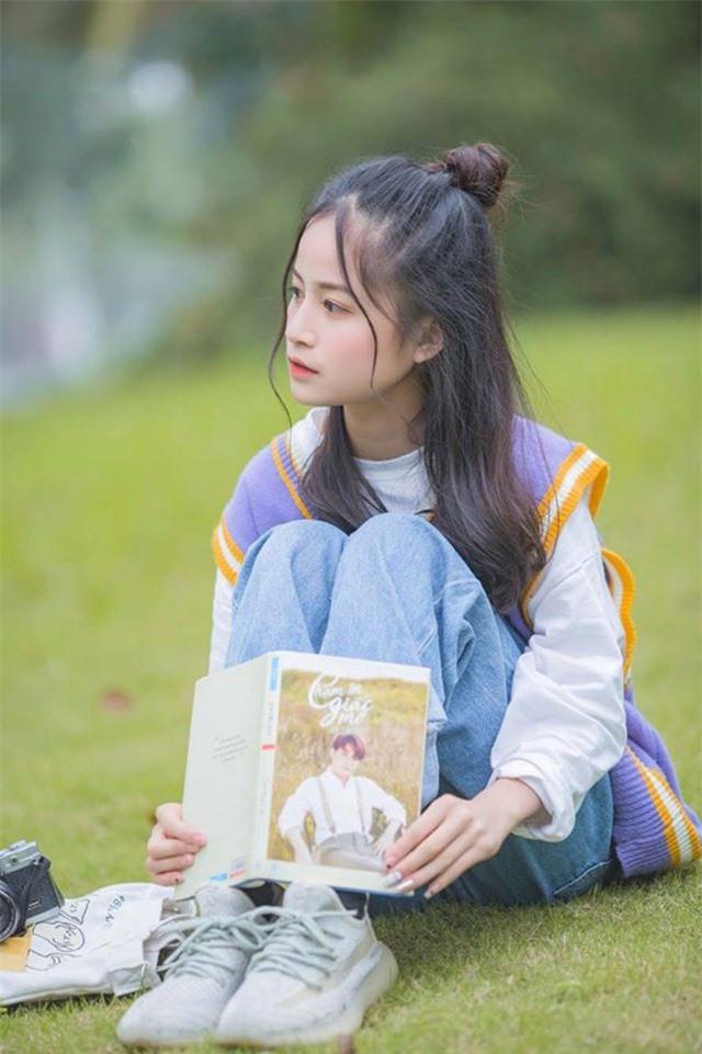 Nữ sinh xinh đẹp gây chú ý bởi nét mặt giống ca sĩ Chi Pu - 4