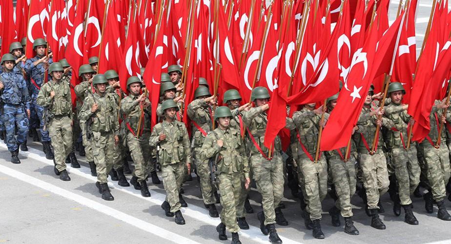 Theo Global Fire Power, lực lượng vũ trang Thổ Nhĩ Kỳ có quân số 412.691 người, đứng thứ trên 14 thế giới, ngoài ra họ còn có khoảng 378.000 quân dự bị.