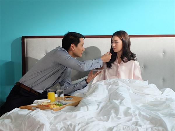 Cương quyết lấy người phụ nữ mang trong mình bệnh nan y, đêm tân hôn, chồng ôm vợ tâm tình: Anh thề không để ai làm em tổn thương - Ảnh 2