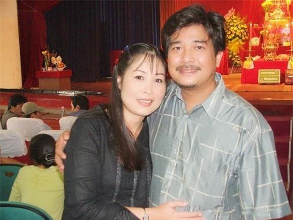 Hình ảnh hiếm hoi của NSND Hồng Vân và ông xã tài tử Lê Tuấn Anh.