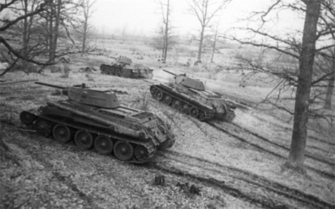 xe tang t-34 van la vu khi dang so hinh 1
