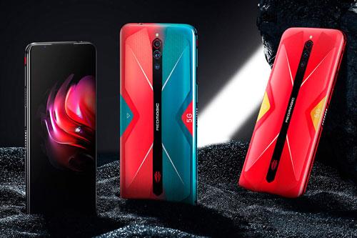 ZTE Nubia Red Magic 5G có 3 màu Đen, Đỏ và Gradient, lên kệ ở Trung Quốc từ ngày 19/3. Giá bán của phiên bản RAM 8 GB/ROM 128 GB là 3.799 Nhân dân tệ (tương đương 12,61 triệu đồng). Phiên bản RAM 12 GB/ROM 128 GB có giá 4.099 Nhân dân tệ (13,61 triệu đồng). Nếu muốn tậu bản RAM 12 GB/ROM 256 GB, khách hàng phải chi 4.399 Nhân dân tệ (14,61 triệu đồng). Phiên bản RAM 16 GB/ROM 256 GB được bán với giá 4.999 Nhân dân tệ (16,60 triệu đồng). Riêng phiên bản trong suốt với RAM 12 GB/ROM 256 GB được niêm yết ở mức 4.599 Nhân dân tệ (15,27 triệu đồng). Tùy chọn RAM 12 GB/ROM 256 GB với giá 5.199 nhân dân tệ (17,26 triệu đồng).