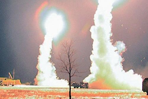 Hải quân Mỹ sắp nhận được loạt tên lửa mồi bẫy MALD-N có khả năng làm nhiễu loạn S-400. Ảnh: Jane's Defense Weekly.
