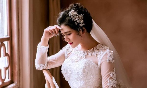 Ngày cưới chồng Hạnh không đến rước dâu