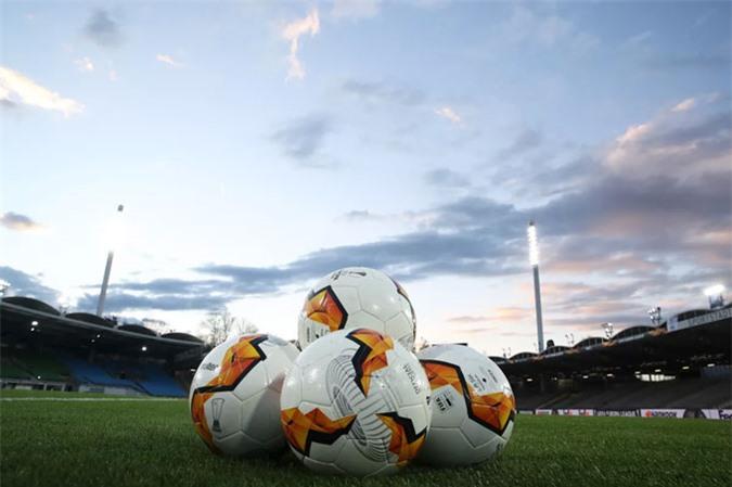 Các giải bóng đá tại châu Âu, bao gồm Ngoại hạng Anh sẽ bị đóng cửa một thời gian