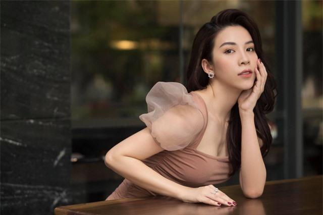 Rũ bỏ hình tượng nóng bỏng, sexy, diễn viên Ngô Phương Anh nữ tính, ngọt ngào trong bộ ảnh mới - Ảnh 2.