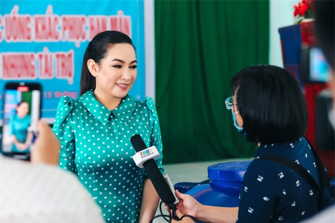 Sau khi hỗ trợ 200 triệu, Phi Nhung gấp rút tung MV kêu gọi ủng hộ miền Tây - Ảnh 11.