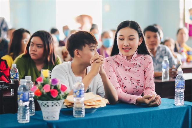 Sau khi hỗ trợ 200 triệu, Phi Nhung gấp rút tung MV kêu gọi ủng hộ miền Tây - Ảnh 5.