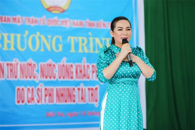 Sau khi hỗ trợ 200 triệu, Phi Nhung gấp rút tung MV kêu gọi ủng hộ miền Tây - Ảnh 8.