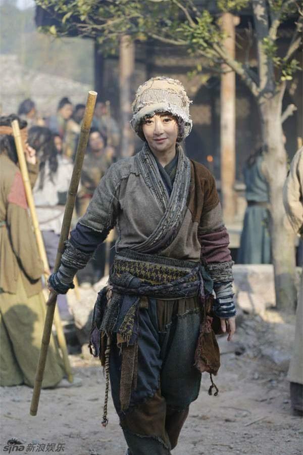 Tạo hình 'cái bang' của các sao nữ Hoa ngữ: Angelababy vẫn đẹp ngút ngàn, Thái Trác Nghiên khiến khán giả ám ảnh - Ảnh 2