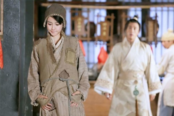 Tạo hình 'cái bang' của các sao nữ Hoa ngữ: Angelababy vẫn đẹp ngút ngàn, Thái Trác Nghiên khiến khán giả ám ảnh - Ảnh 4