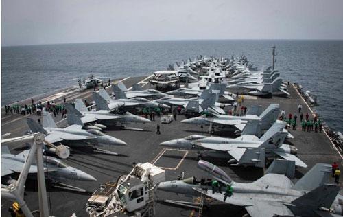 Tàu sân bay USS Abraham Lincoln của Mỹ. Ảnh: AP.