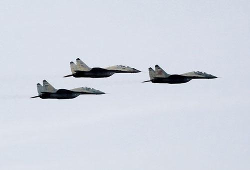 MiG-29 là loại chiến đấu cơ uy lực nhất của quân đội Syria. Nước này đã được Liên Xô cung cấp hơn 40 chiếc MiG-29, hiện nay vẫn còn khoảng 20 chiếc đủ khả năng chiến đấu