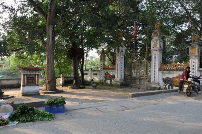 Đình Hòa Xá, nơi thờ bà chúa Hến.