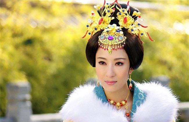 Hoàng Quý phi đầu tiên trong lịch sử Trung Hoa: Từ nhũ mẫu hơn vua 19 tuổi đến phi tần độc ác giết hại hoàng nhi nhưng vẫn đắc sủng - Ảnh 10.