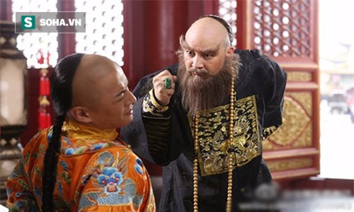 Thăm Ngao Bái ốm, phát hiện dao găm dưới chiếu, Khang Hy nói 1 câu, giành lại cả giang sơn - Ảnh 1.