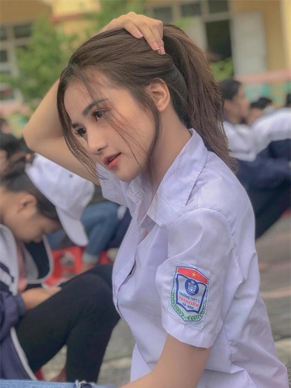 Thiên thần đồng phục ở Hà Nam: Sở hữu vẻ đẹp đốn tim và bảng thành tích 11 năm liền làm lớp trưởng - Ảnh 6.