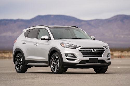 9. Hyundai Tucson (doanh số: 9.594 chiếc).