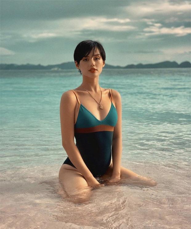 Bản sao Tâm Tít và cú lột xác đầy nóng bỏng của hot girl Khánh Linh - Ảnh 8.