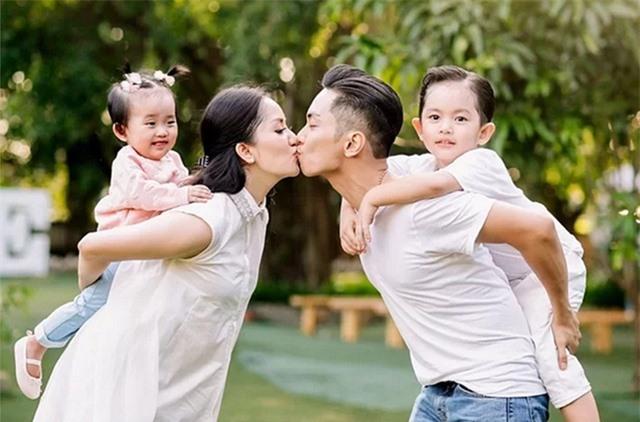 """Khánh Thi nói về việc giữ chồng: """"Một giây cũng phải cẩn thận"""" - 1"""