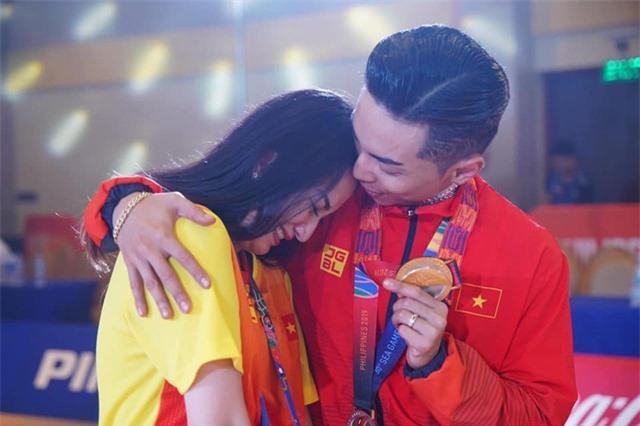 """Khánh Thi nói về việc giữ chồng: """"Một giây cũng phải cẩn thận"""" - 2"""