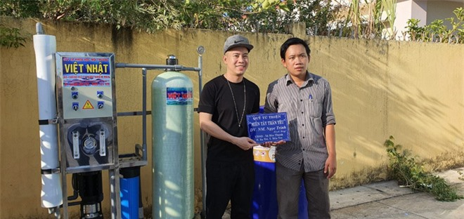 Ngọc Trinh lập quỹ góp được 544 triệu, cử đại diện trực tiếp tới miền Tây tặng máy lọc nước cho bà con vượt hạn và mặn - Ảnh 3.