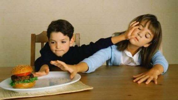 Nuông chiều khiến trẻ ích kỷ