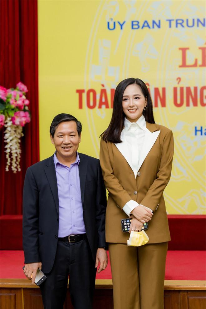 Hoa hậu Mai Phương Thúy gặp Thủ tướng Chính phủ, đại diện ủng hộ 20 tỷ đồng phòng chống đại dịch Covid-19 - Ảnh 7.