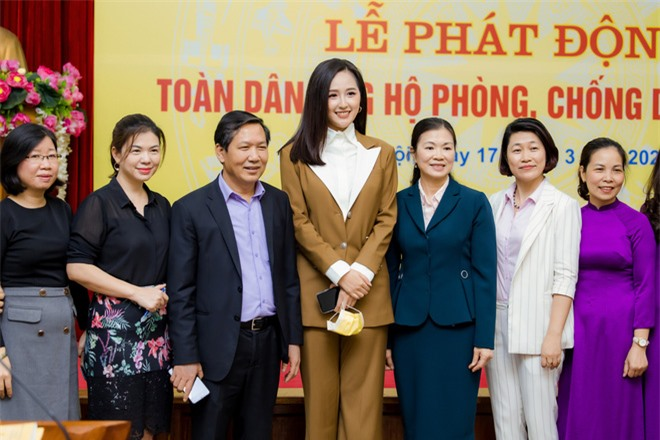 Hoa hậu Mai Phương Thúy gặp Thủ tướng Chính phủ, đại diện ủng hộ 20 tỷ đồng phòng chống đại dịch Covid-19 - Ảnh 8.