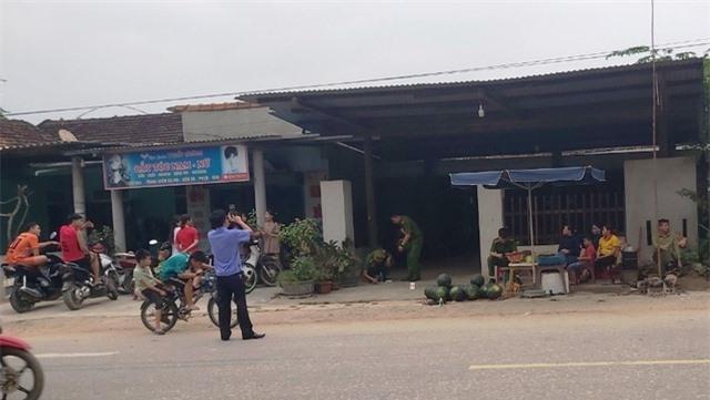 Tranh cãi nợ nần, một người đàn ông bị bắn ngay tại cổng nhà - 1