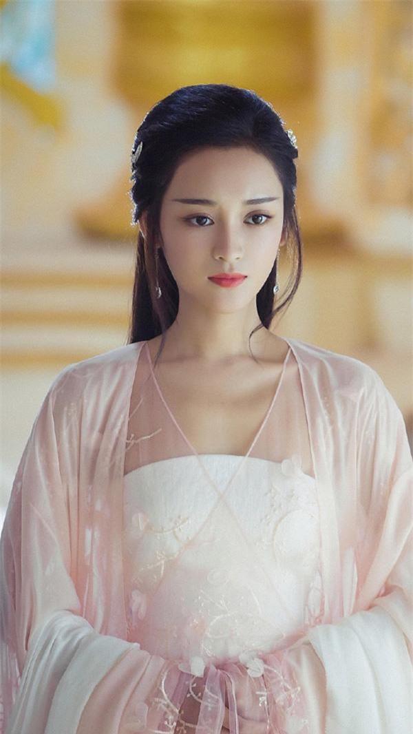 """Tìm ra cô gái """"bị ghét nhất"""" Trung Quốc dù nhan sắc đỉnh cao, đẹp không tỳ vết - 3"""