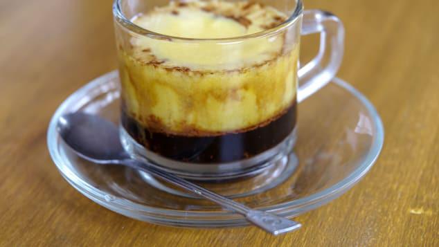 Cà phê trứng - một trong những thức uống nổi tiếng nhất Việt Nam (ảnh: Shutterstock)