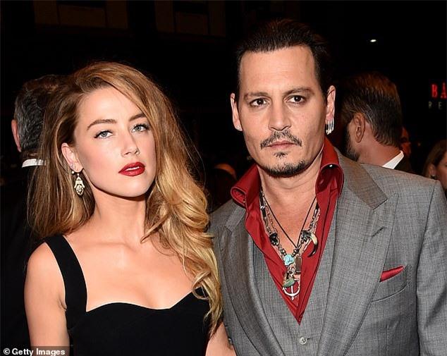 Amber Heard thừa nhận việc bạo hành Johnny Depp khi đập cả cánh cửa vào đầu khiến nam tài tử gục ngã - Ảnh 4.